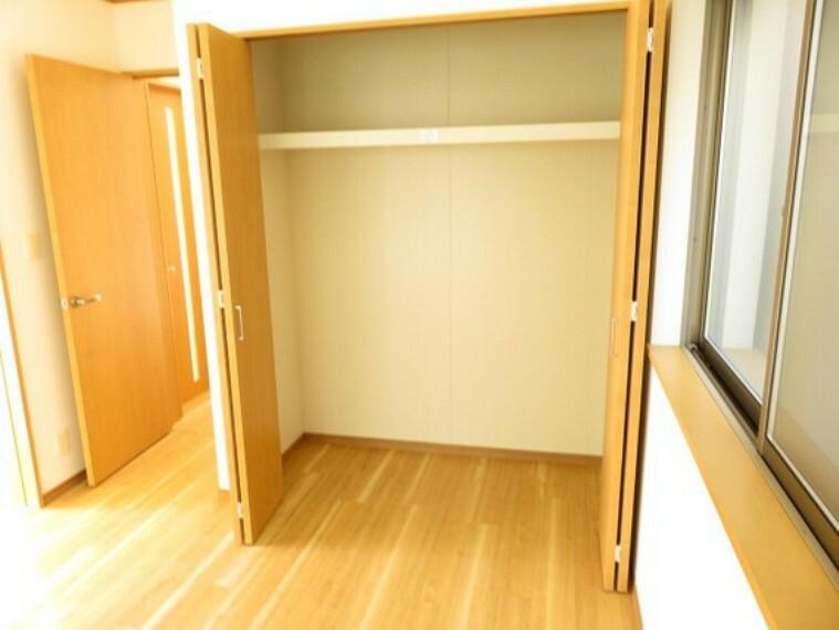 収納 洋室各部屋でクローゼットをお使い頂けます。