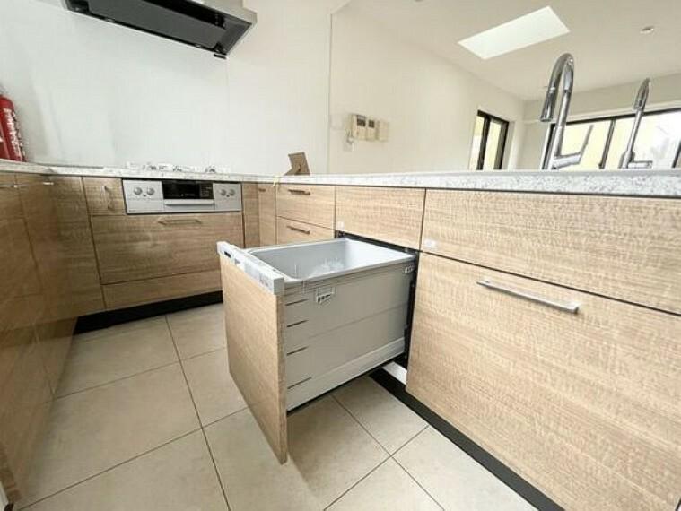 キッチン ビルトイン食洗機を採用。家事の時間短縮や効率アップ、節水にも威力を発揮します。