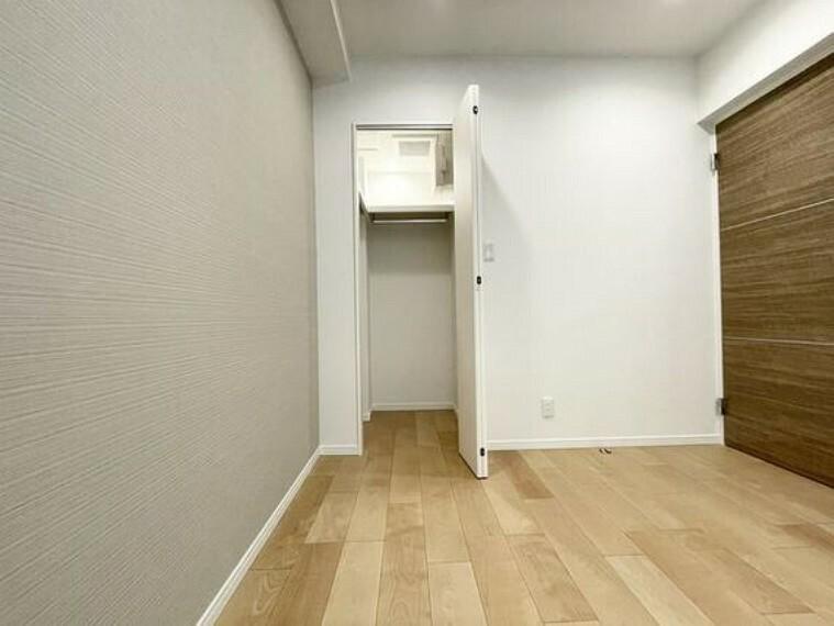 ウォークインクローゼット ウォークインクローゼットをご用意しております。その分お部屋を広く使うことができますね。