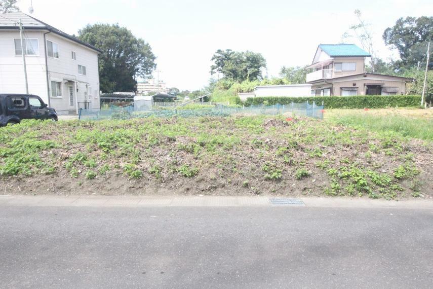 現況写真 敷地を東側から西側に向かって撮影(2021年9月)