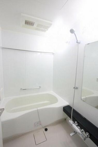 浴室 ■日々の疲れを癒すユニットバス・雨の日のお洗濯も安心の浴室乾燥機付