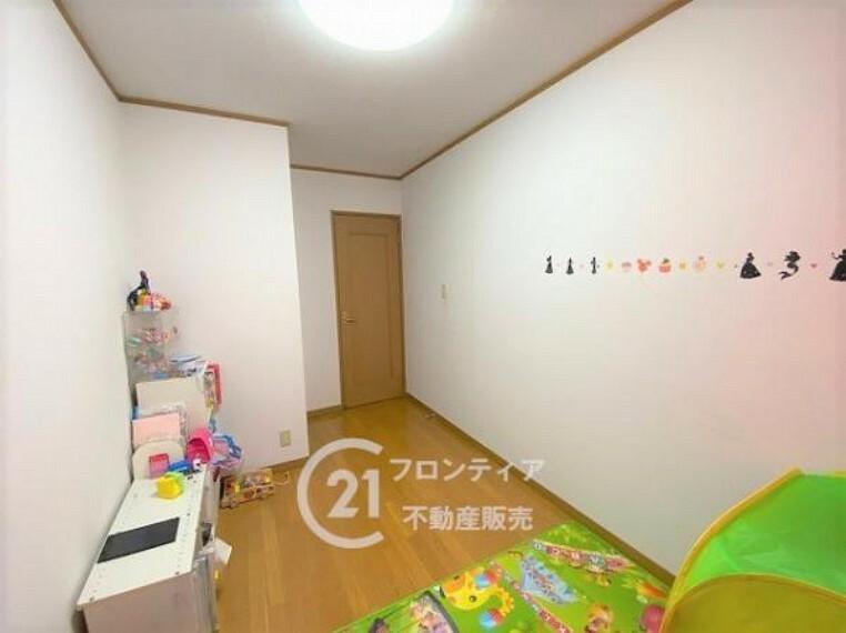 洋室 \リフォーム前の写真です/寝室やお子様の部屋にぴったりな洋室