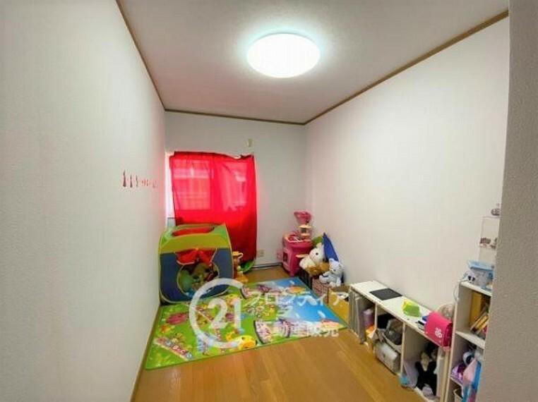 子供部屋 \リフォーム前の写真です/お家のご質問はお気軽にご相談下さい。
