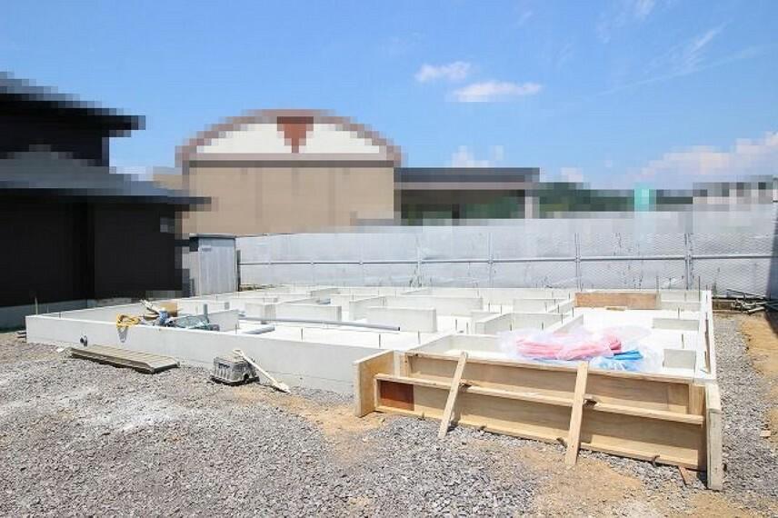 現況外観写真 4号地:2021.8月:基礎工事中