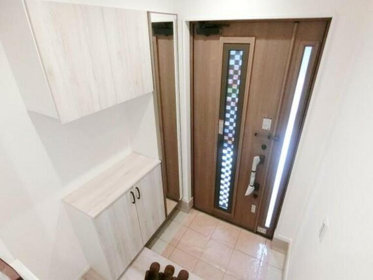 玄関 玄関収納をお使い頂けます。