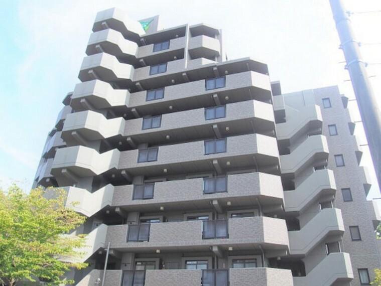 外観写真 RC造9階建最上階。開けた眺望の住まいです。
