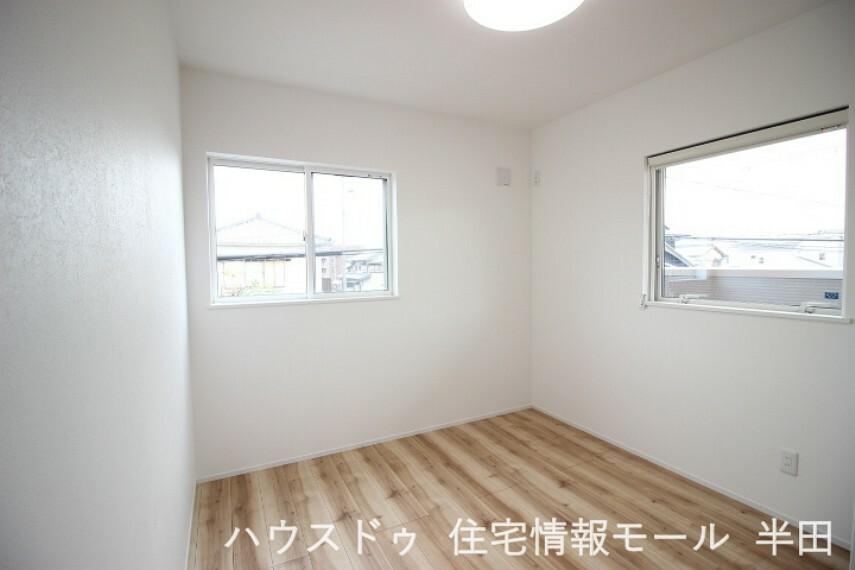 子供部屋 2階5.2帖洋室 子供部屋にも適した居室です。