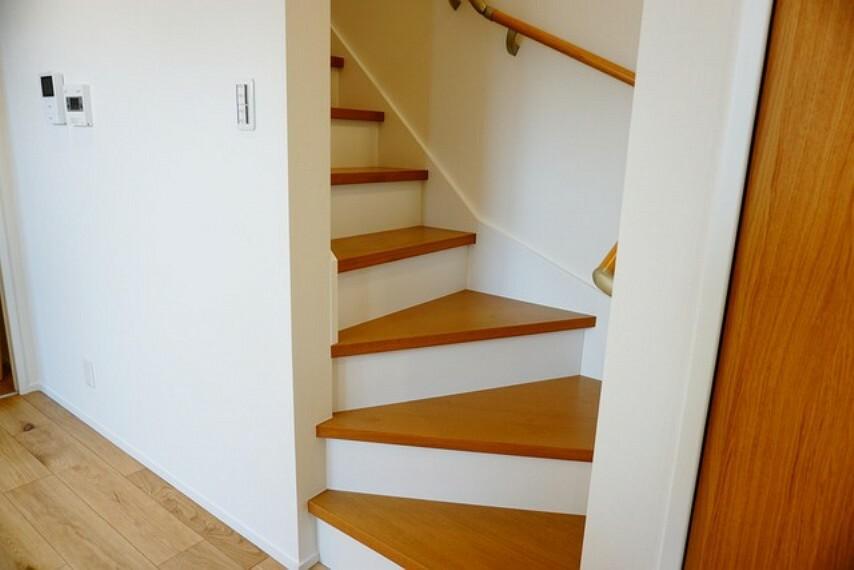 リビング階段になっているので、家族と顔を合わせる機会が増え、ご家族との距離がグッと縮まります。