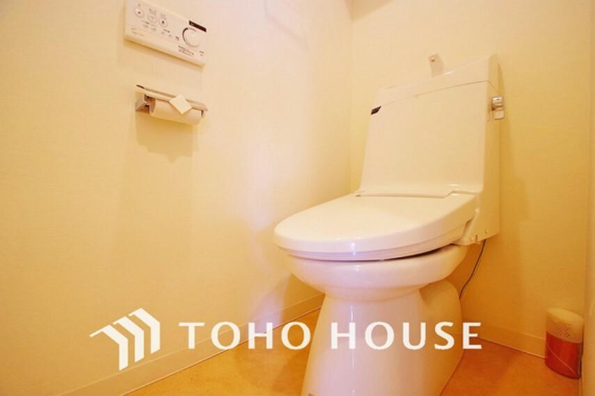 トイレ トイレには快適な温水洗浄便座付
