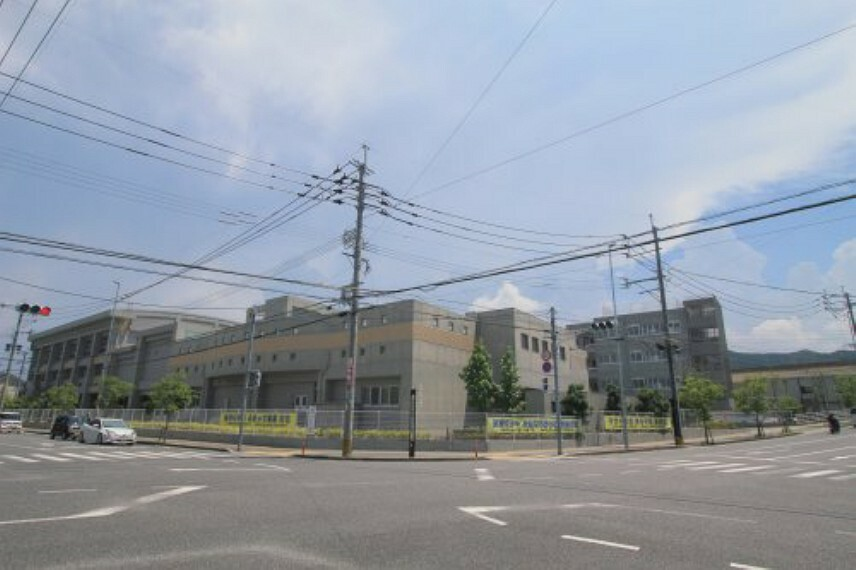 中学校 【中学校】福岡市立元岡中学校まで1600m