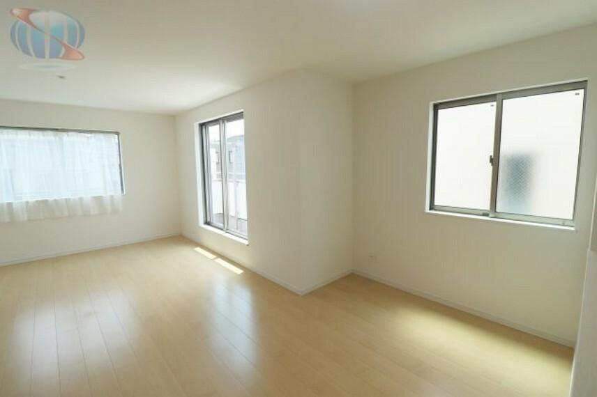 居間・リビング 優しい光が差し込む空間のリビング