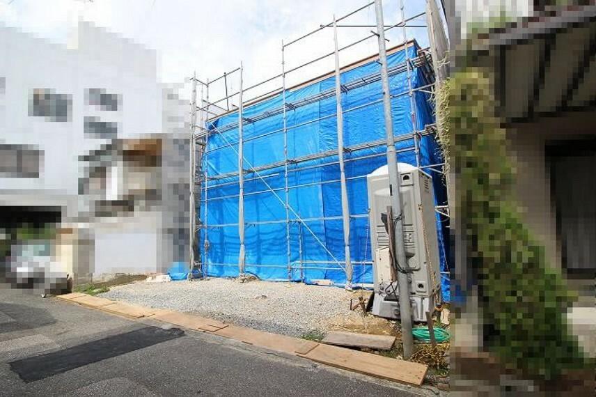 現況外観写真 2021.9月末:棟上げされました。