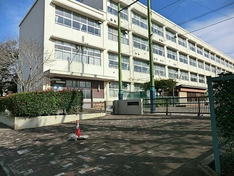 小学校 横浜市立新吉田小学校