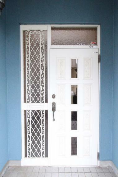 玄関 ダブルロックドアです