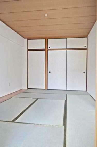 和室 LDKに面した和室7.5畳!収納力の高い押入収納付!