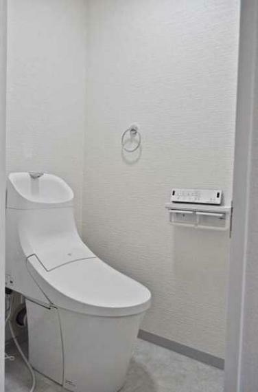 トイレ 新品のウオシュレット付トイレ!