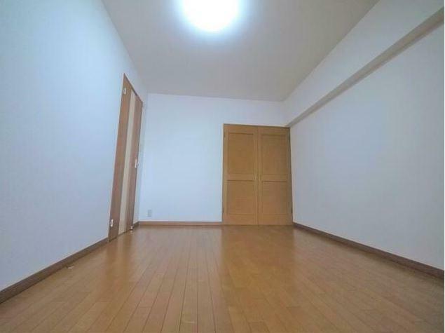 子供部屋 キッチン横の洋室は、お部屋としても使えるようにクローゼットをつけています。