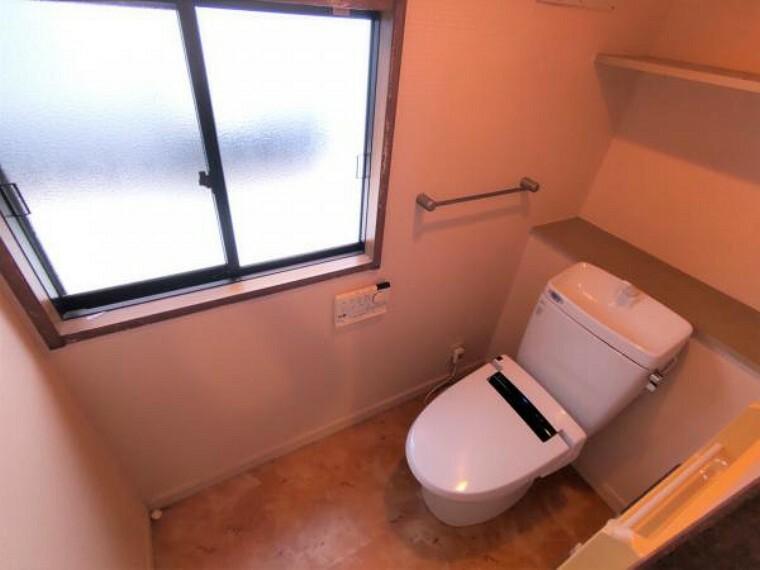 トイレ 【現況】2階トイレ写真になります。