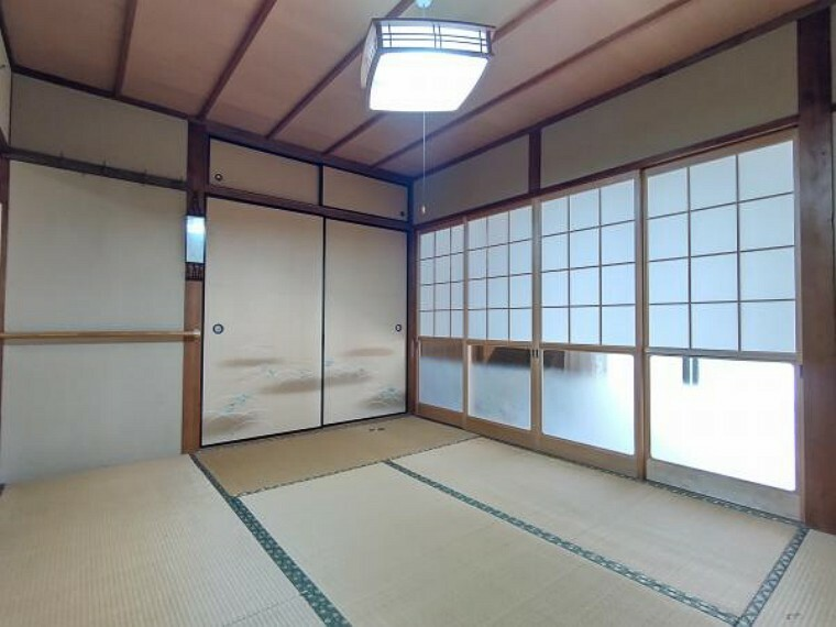 【リフォーム前】1階南側6畳和室の写真です。