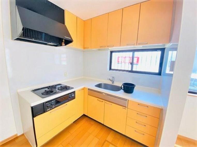 キッチン 使い勝手の良いシステムキッチンで、家事が捗りますね