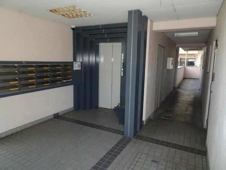 エレベーター、内廊下