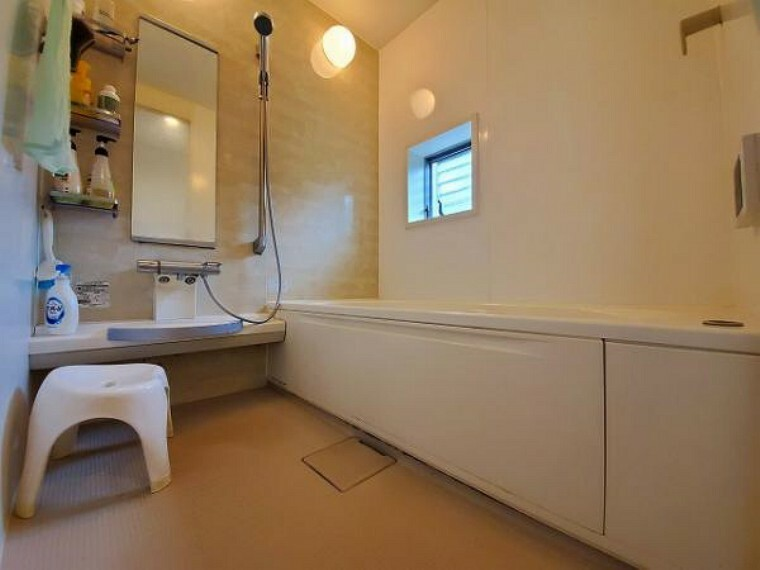 浴室 優しい色調でまとめられた癒しの空間