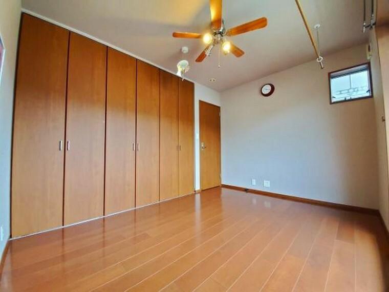 洋室 贅沢な居住空間は毎日の暮らしに満足をプラスします