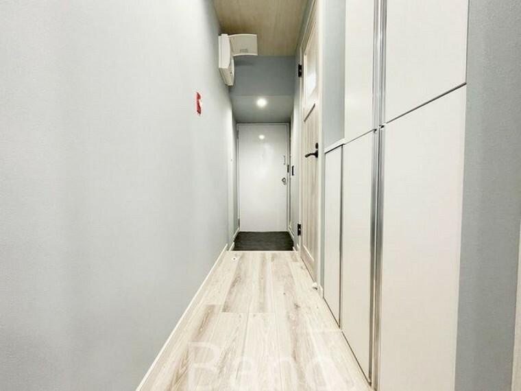 玄関 玄関廊下の様子です。