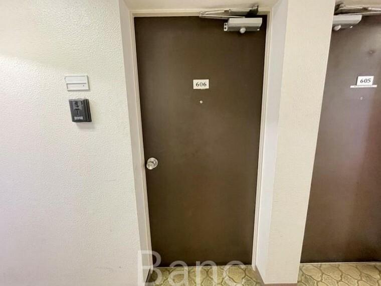 玄関 玄関扉