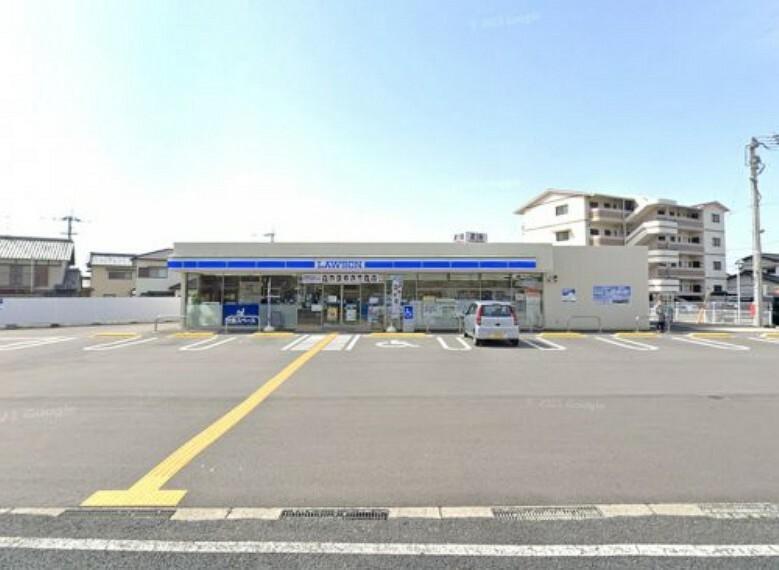 コンビニ 【コンビニエンスストア】ローソン野市町西野東店まで477m