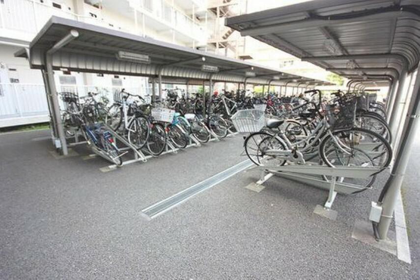 駐輪場 駐輪場も綺麗に整頓されています。