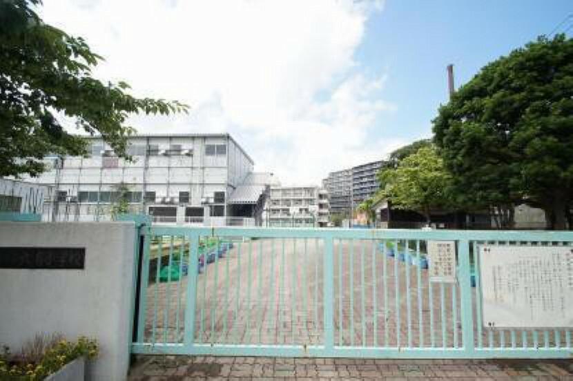 小学校 横浜市立六浦小学校 1873年(明治6年)創立
