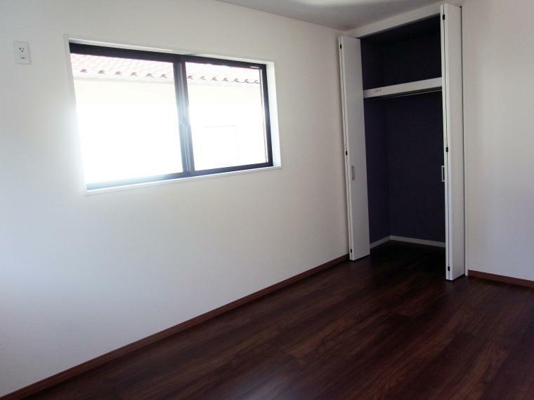 洋室 2階洋室6.4帖 室内(2021年10月)撮影
