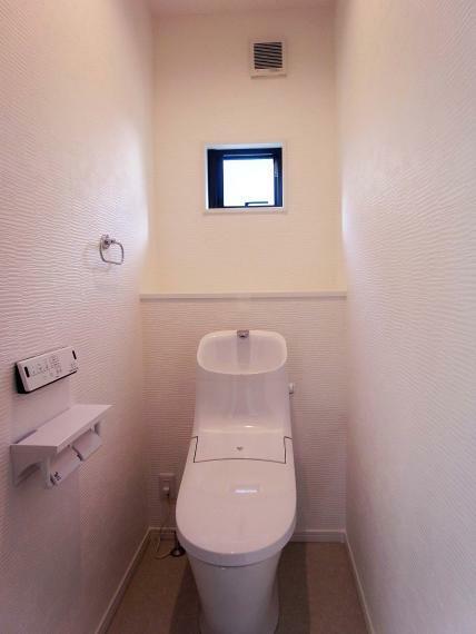 トイレ 2階トイレ 室内(2021年10月)撮影