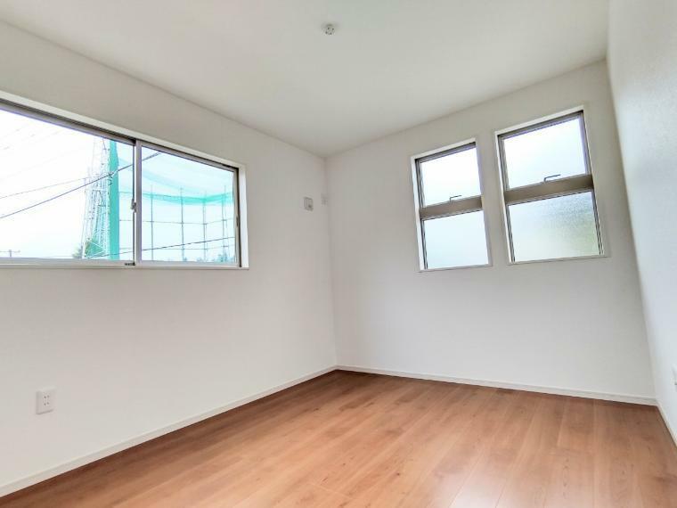 洋室 全居室、2面採光で陽当りも風通しも良好です