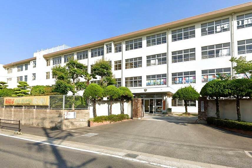 小学校 【小学校】福岡市立下山門小学校まで920m