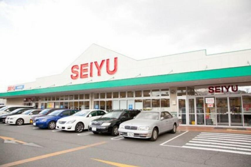 スーパー 西友川崎神明店(●24時間営業のスーパー。豊富なPBを中心に値頃感があり、大変重宝するスーパーです。店舗の前に駐車場があり、車への積み込みも楽なのも魅力です●)