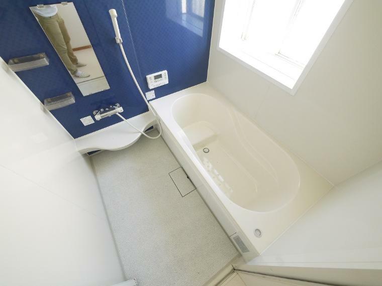 浴室 1坪以上広さを設けた浴室でゆったりバスタイム 雨の日のお洗濯にも大活躍な浴室乾燥機付
