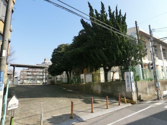 小学校 千葉市立弁天小学校 徒歩12分。