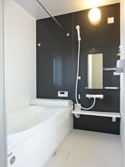 浴室 浴室暖房乾燥機付き《 現地写真 》現地見学や詳細は 株式会社レオホーム へお気軽にご連絡下さい。