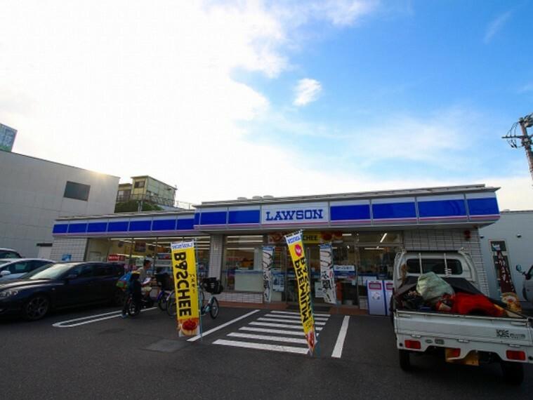 コンビニ ローソン奥戸4丁目店 221m