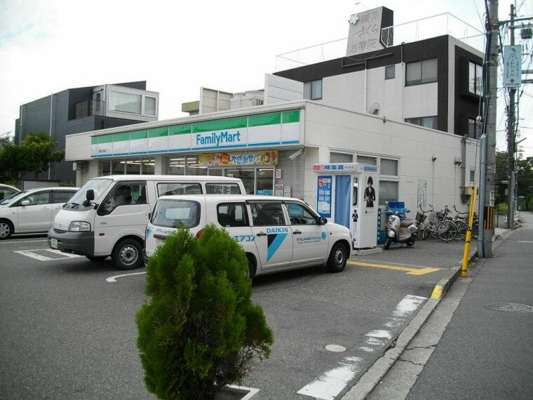 コンビニ 【コンビニエンスストア】ファミリーマート西宮名次町店まで1538m