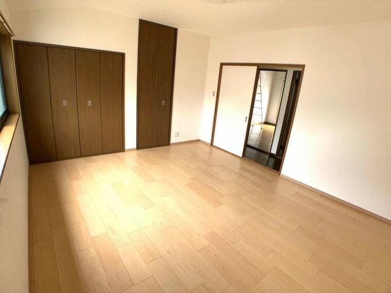 洋室 収納付き居室