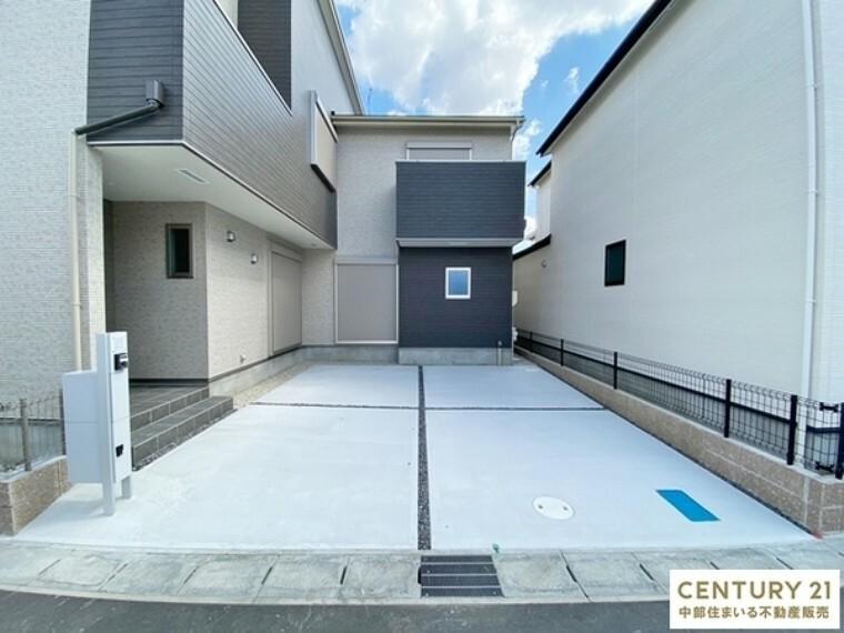 駐車場 駐車並列2台可能です