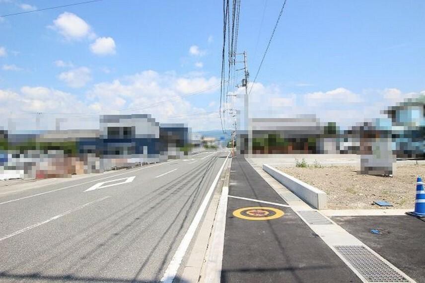 現況写真 分譲地前面道路→北