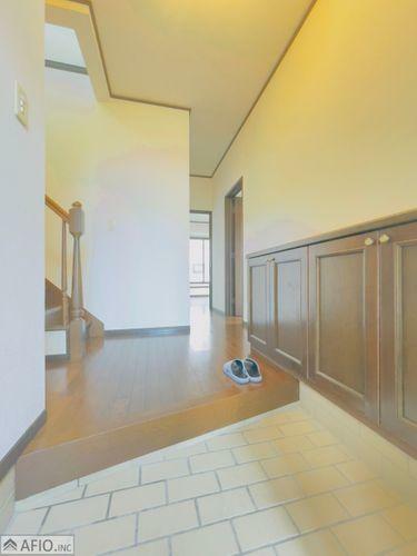 玄関 収納たっぷりでいつもきれいな玄関を。
