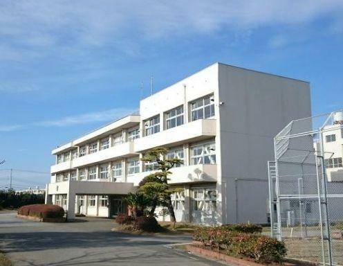 小学校 君津市立貞元小学校 徒歩18分。