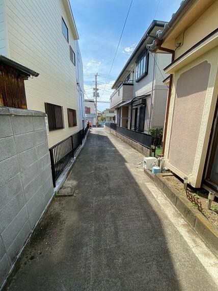 外観・現況 住宅1件分の長さです。