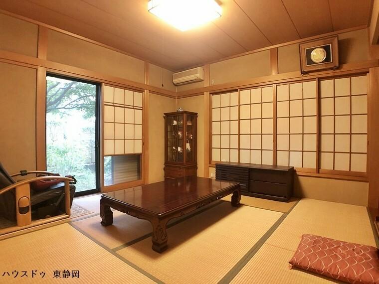 和室 8帖和室。一階のお部屋のため昇降運動をすることなく生活ができます。