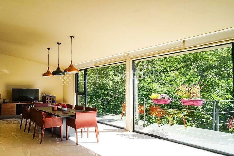 居間・リビング 2階LDK約60帖の広々としたリビング・ダイニング・キッチンです。
